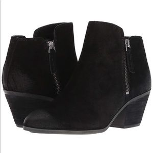 Frye Judy Black Suede Ankle Booties size 8.5